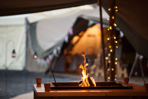 winter-tipi-wedding-tent-firepit
