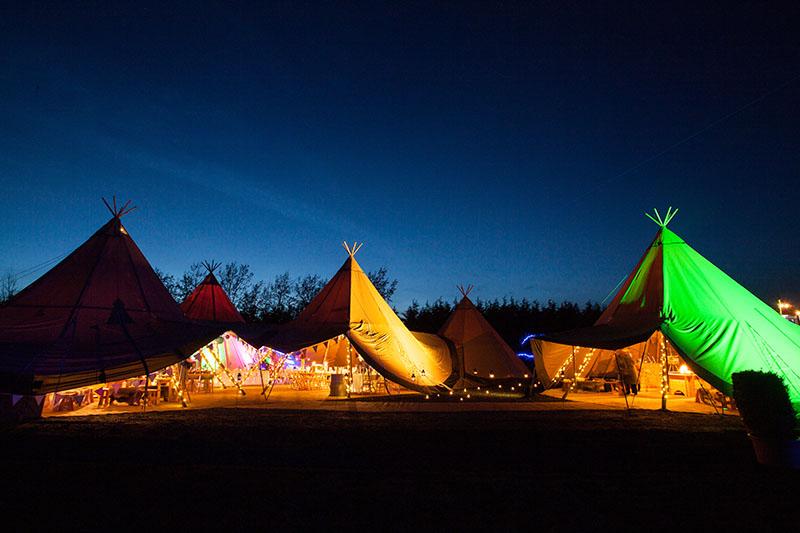 winter-tipi-wedding-tent-lights