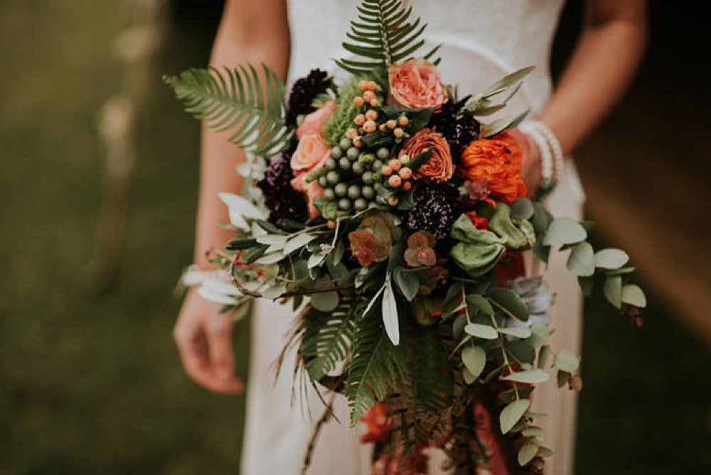 boho bouquet with feathers